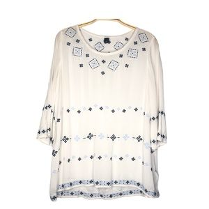 GAP White with embroidered details Women's Blouse